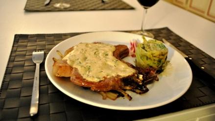 Côte de Porc sur lit de Trévise et salade de Fenouil acidulée